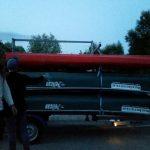 Boote aufladen und Abfahrt