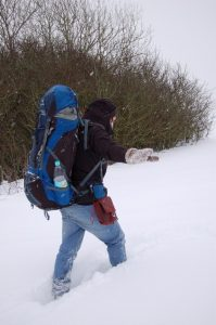 Knietiefer Schnee